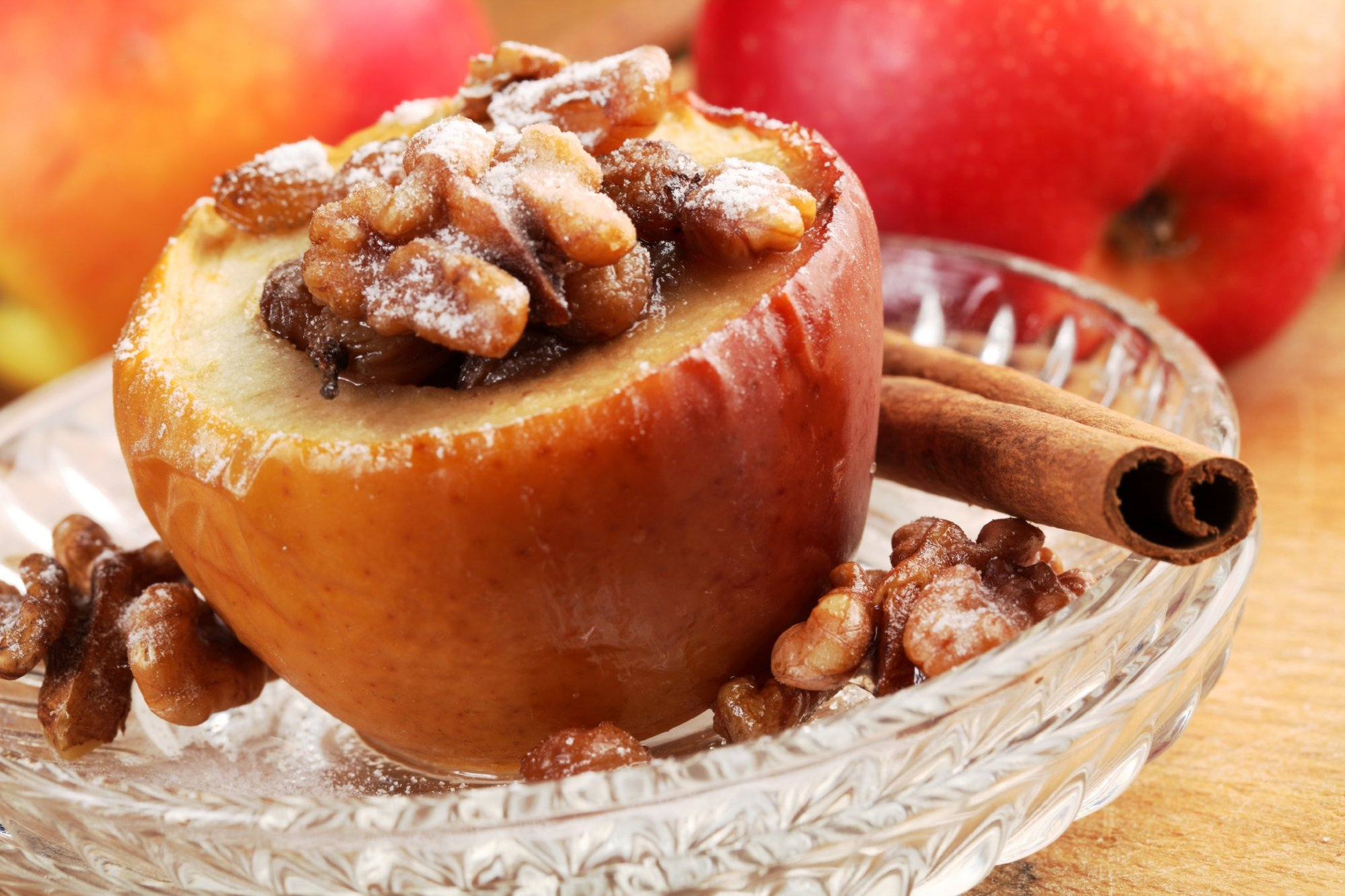 baked_apples_filled_with_nuts_fruit