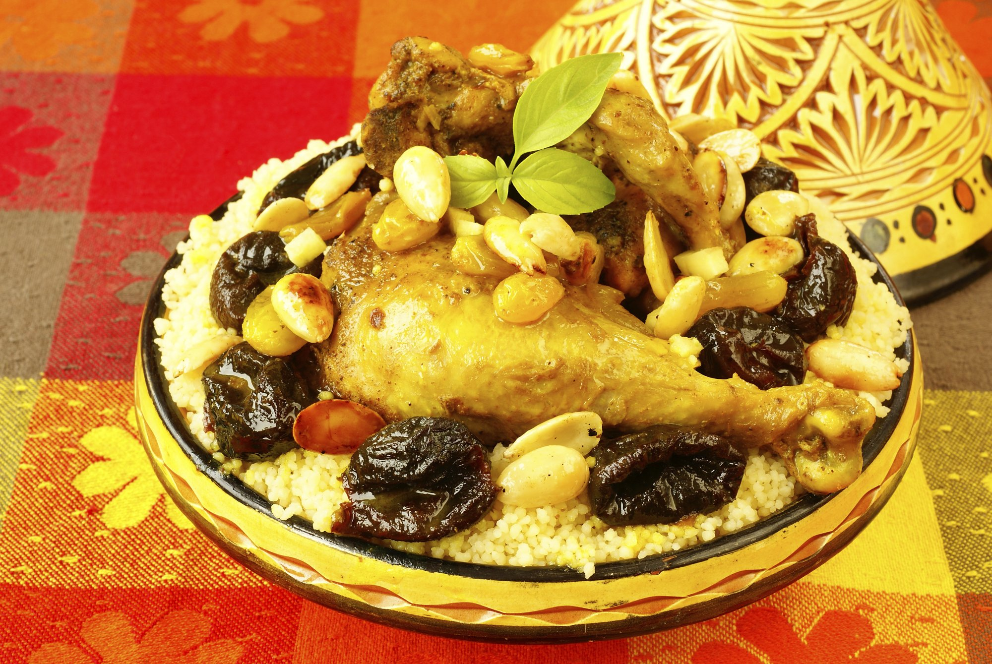 chicken_tagine_with_pearl_onions_and_dates