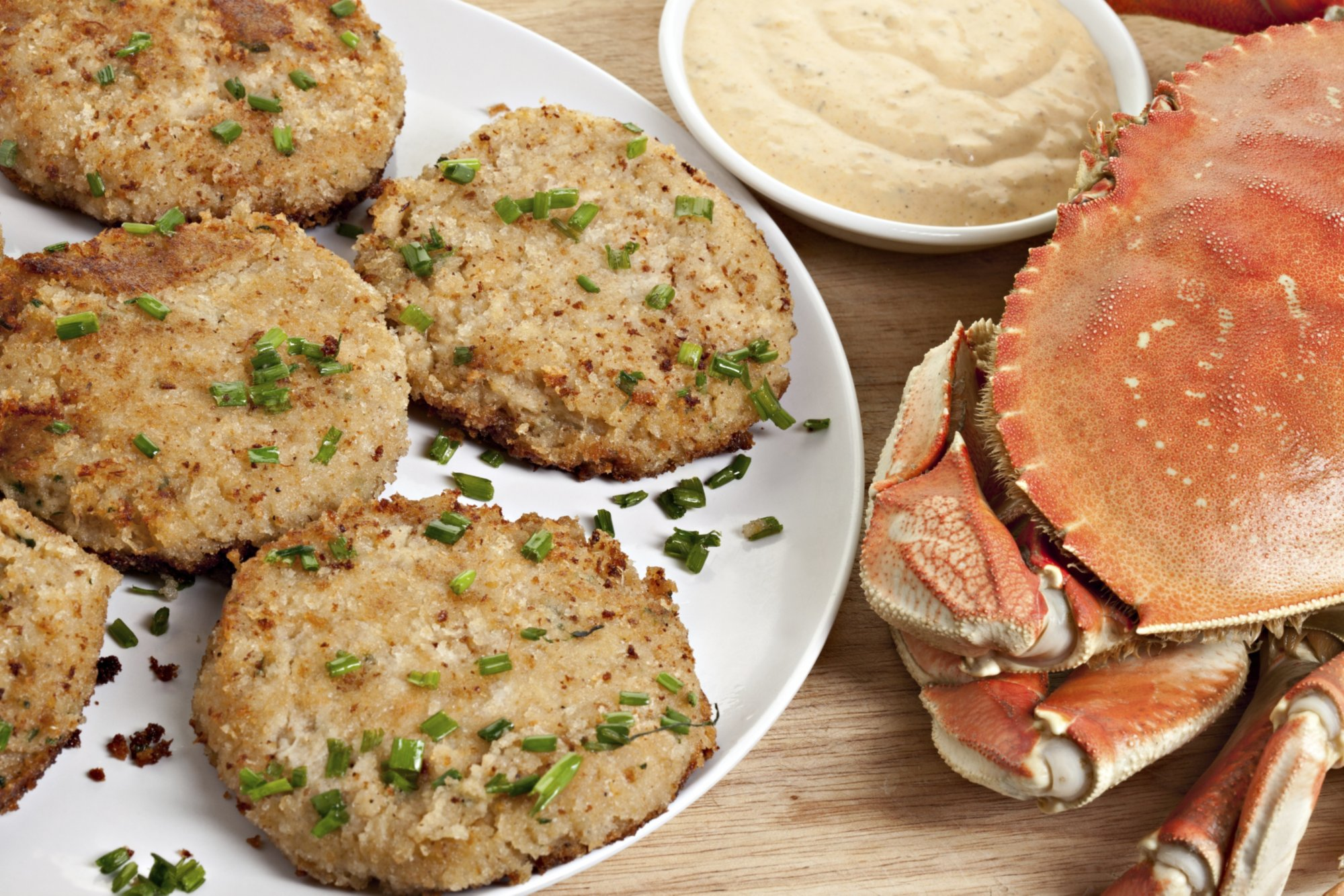 crab_cakes_with_remoulade
