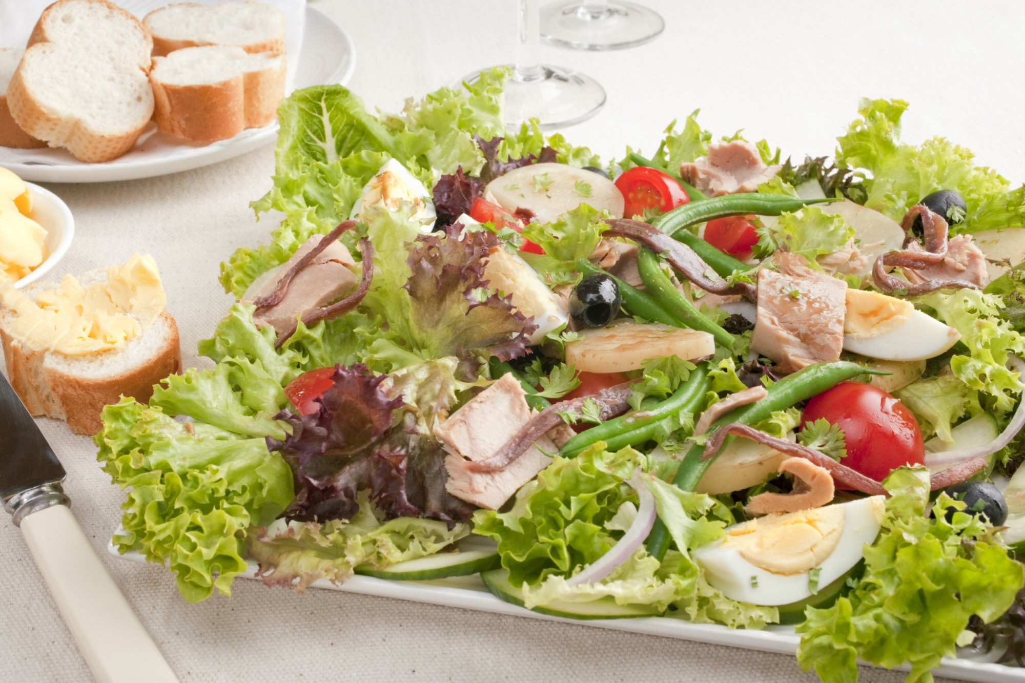 salad_nicoise_with_grilled_tuna