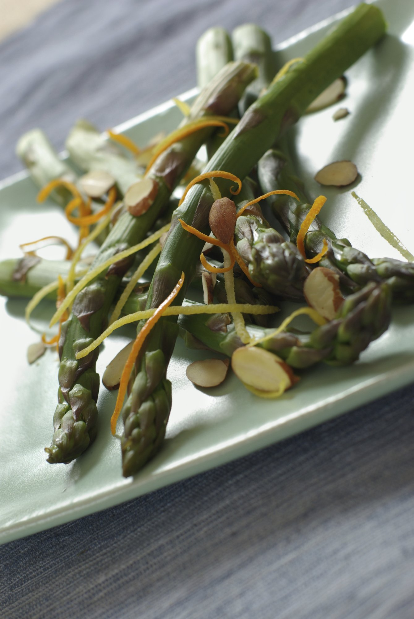 asparagus_with_almonds