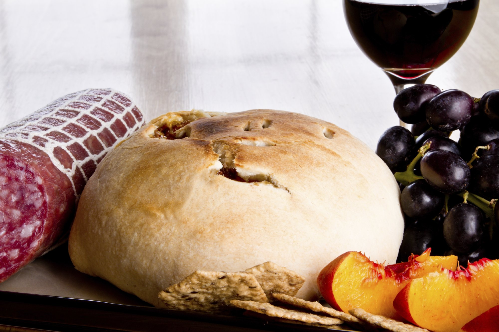 baked_brie_with_fruit_and_wine