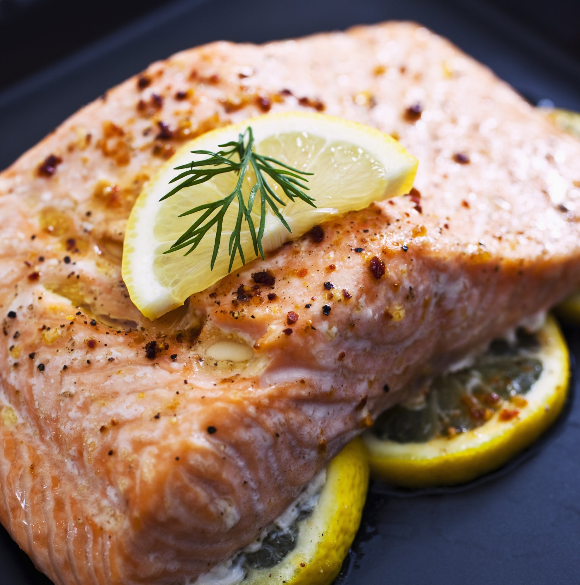 baked_salmon_filet_with_lemon