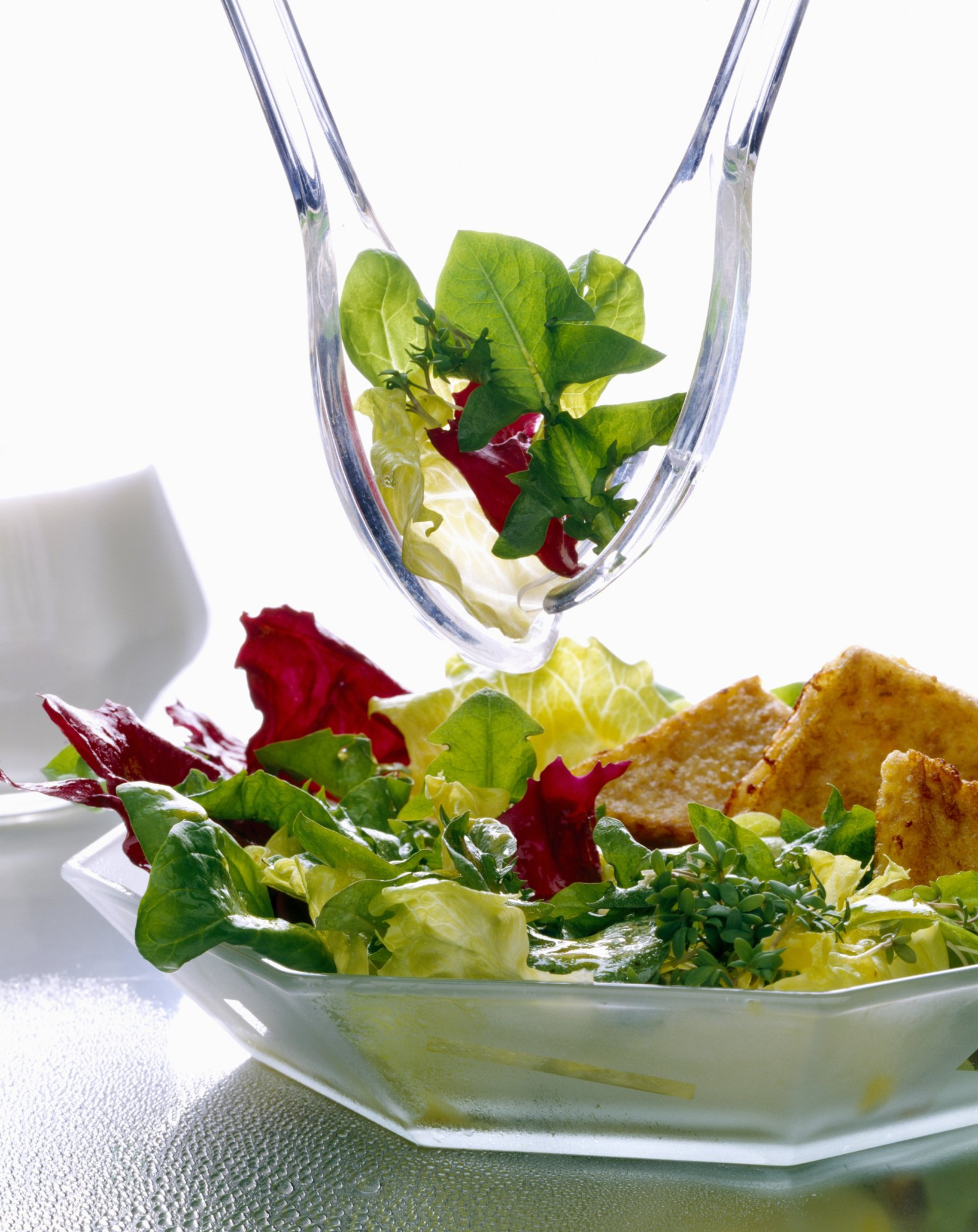 dandelion_salad_with_warm_bacon_dressing