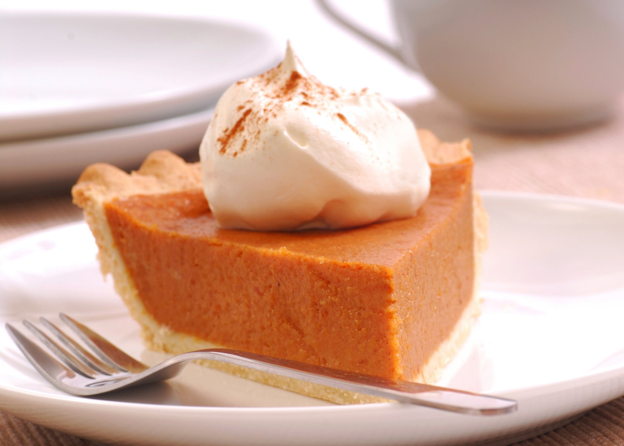 pumpkin_pie_with_whipped_cream_crop